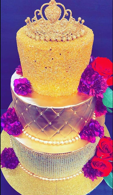 Gold Cake by Pink CupCakes