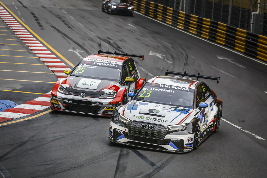 25 BENNANI Mehdi (mar), Volkswagen Golf GTI TCR team Sebastien Loeb Racing, action 23 BERTHON Nathanael, (fra), Audi RS3 LMS TCR team Comtoyou Racing, action  during the 2018 FIA WTCR World Touring Car cup of Macau, Circuito da Guia, from november  15 to 18 - Photo Francois Flamand / DPPI