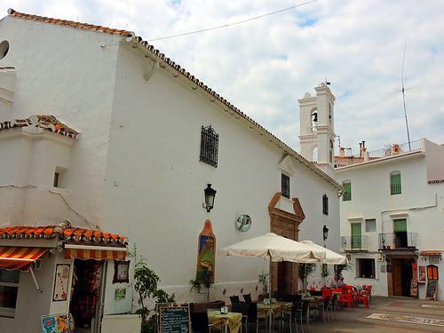 <Plaza de la Iglesia> Istán (Málaga)