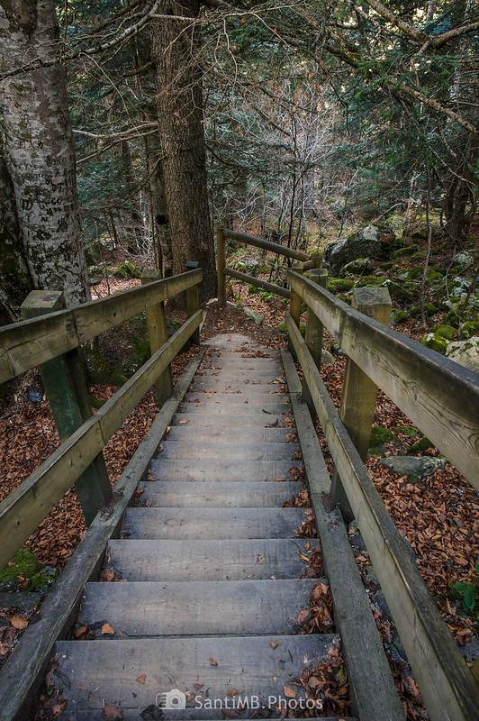 Escaleras hacia los Uelhs deth Joèu