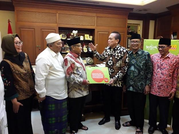 Indosat Ooredoo Donasikan Komputer Untuk PBNU