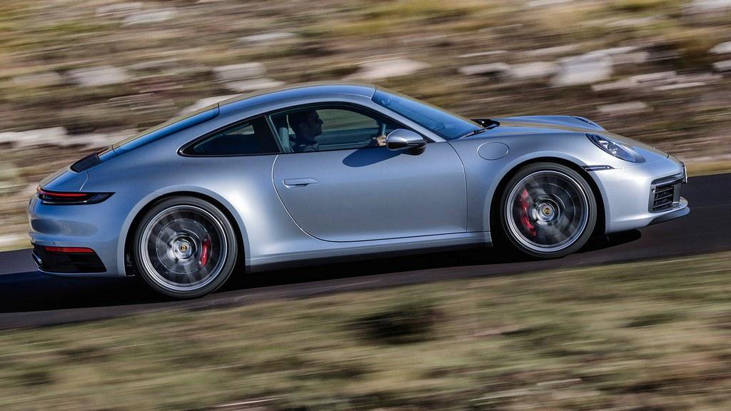 Porsche 911 (992) premiera 6am#