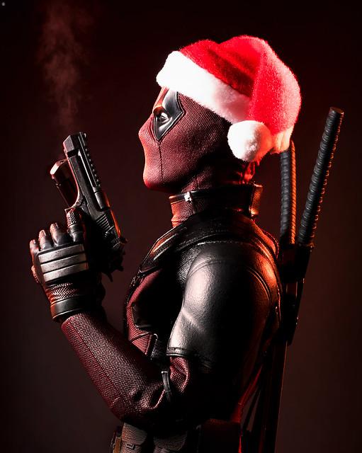 Santa 'Deadpool' Claus