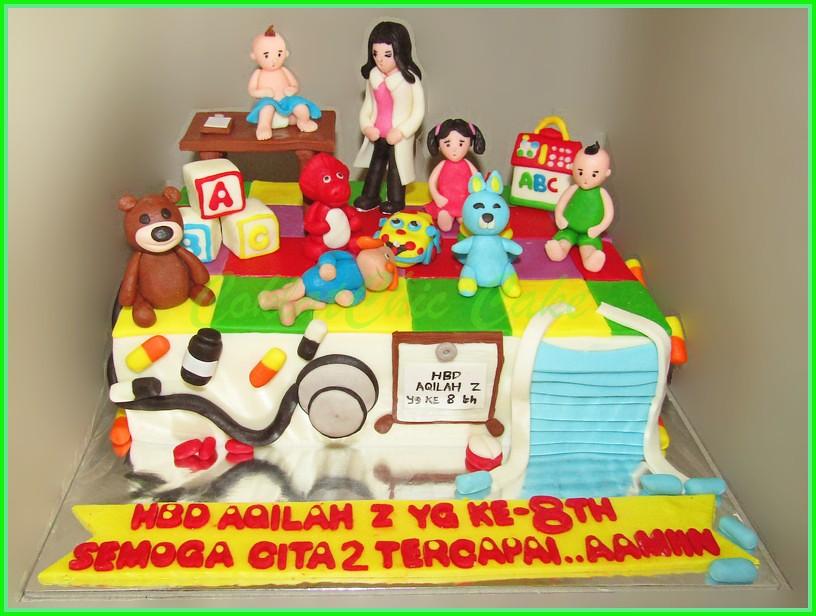 Cake dokter anak AQILAH 15x22 cm