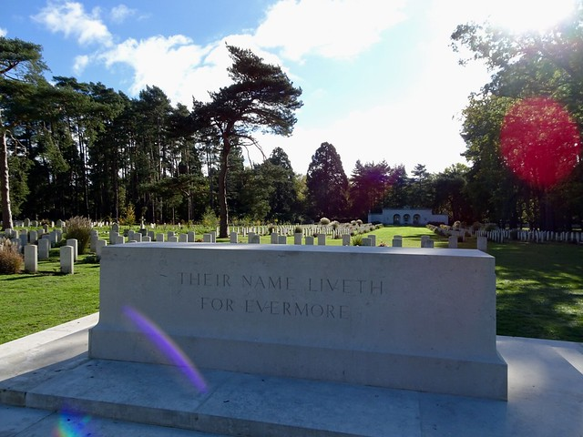 Brookwood Military Cemetery, Sony DSC-HX90V, Sony 24-720mm F3.5-6.4