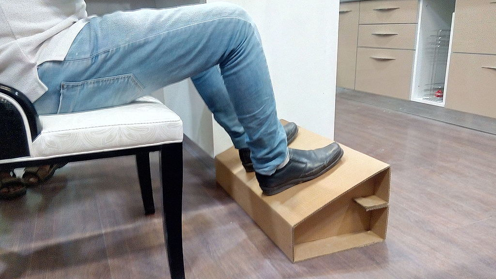 10 Reasons Why You Need A Reclining Office Chair With Leg Rest -Image 2