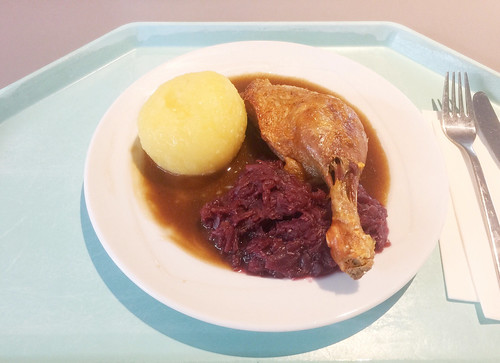 Duck leg with red cabbage & potato dumpling / Entenkeule mit Blaukraut & Kartoffelknödel
