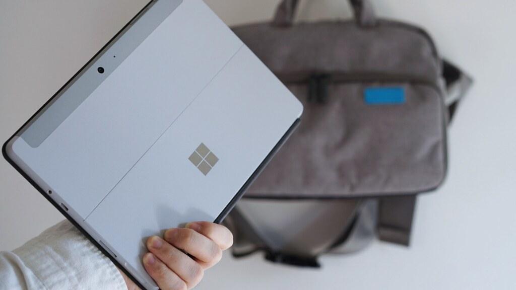 Surface Goを持ち歩く
