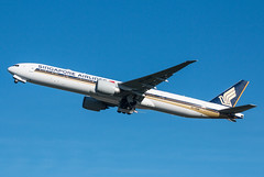 EGLL - Boeing 777 - Singapore Airlines - 9V-SNB