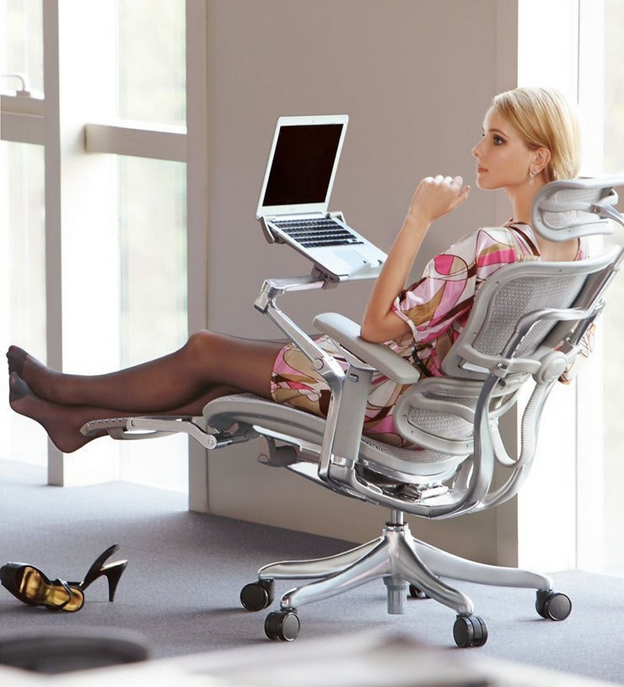 10 Reasons Why You Need A Reclining Office Chair With Leg Rest - Image 3