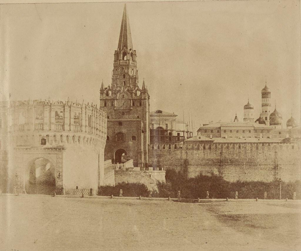 Москва. Кутафья башня Кремля