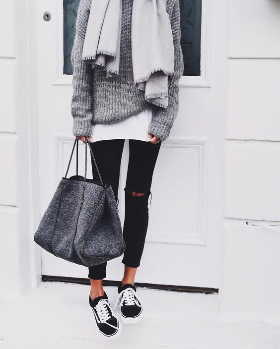 inspiration street style outfit 2019 winter snake boots 5