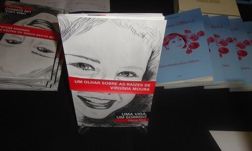 """""""Uma vida, um sorriso"""" -Um olhar sobre as raízes de Virgínia Moura"""