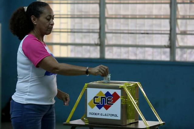 Eleições municipais venezuelanas finalizam com ampla vitória para o chavismo