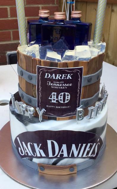 Cake by Karolina's Cakes