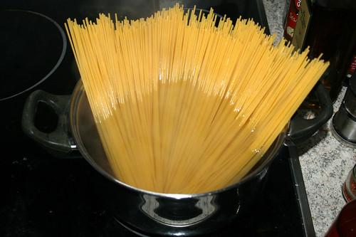 05 - Spaghetti kochen / Cook spaghetti