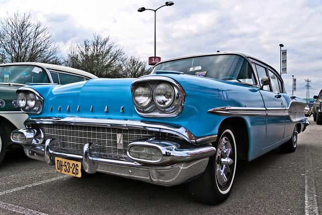 Pontiac Chieftain DeLuxe Sedan 1958 (6420)