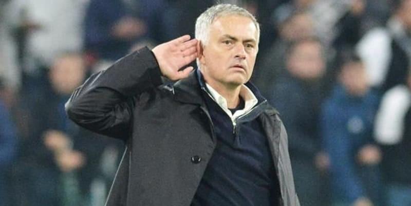 Mourinho: Pemain dibayar untuk menjadi profesional