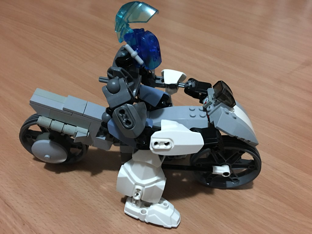 Bionicle Mospeada Ride Armor