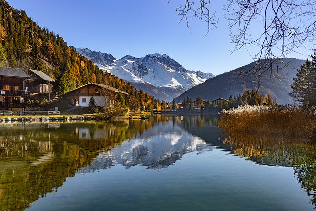 Champex and the Grand Combin at Automn's time 2018. Canton Of Valais. Switzerland. izakigur 14.11.18, 12:37:27 no. 568.