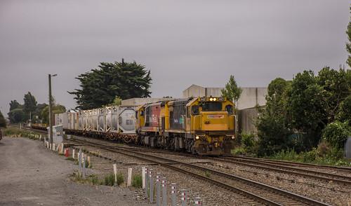 DC/DF combo on a Lyttelton bound service following a DSG