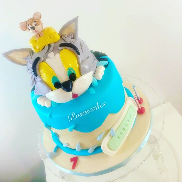 Cake by Rosa's Cakes