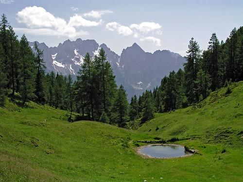 A pond below Kresisce