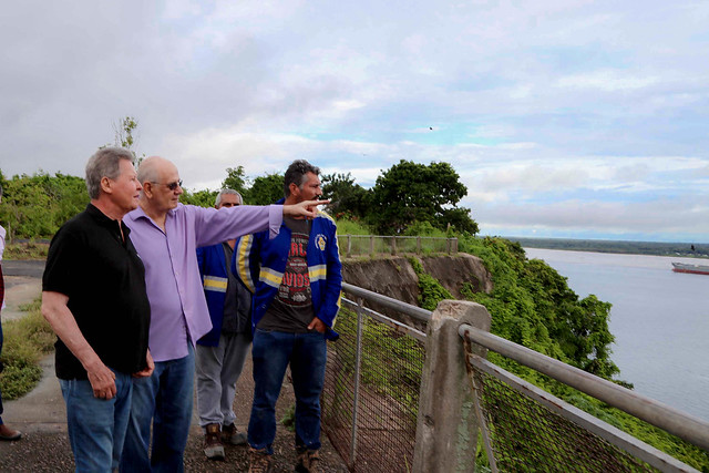 23.01.2019 O prefeito de Manaus, Arthur Virgílio Neto, acompanhado do deputado estadual, Serafim Correa, visitaram a Ponta das Lajes, no bairro Colônia Antônio Aleixo, zona Leste da cidade.