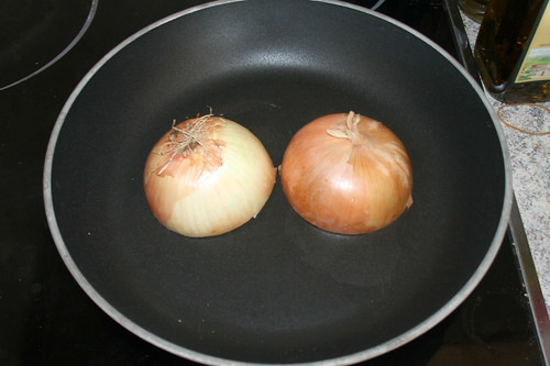 28 - Zwiebel ohne Fett anrösten / Roast onion without oil