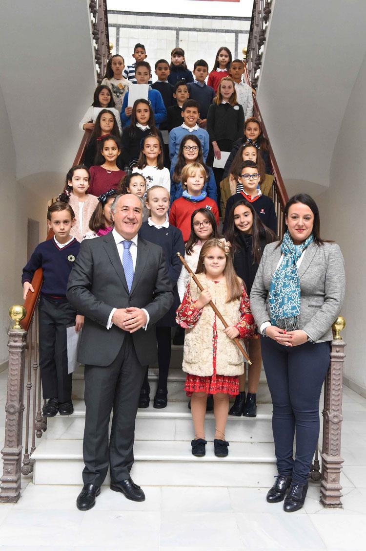 Alumnos de 31 centros escolares protagonizan el pleno infantil previo al Día de la Constitución