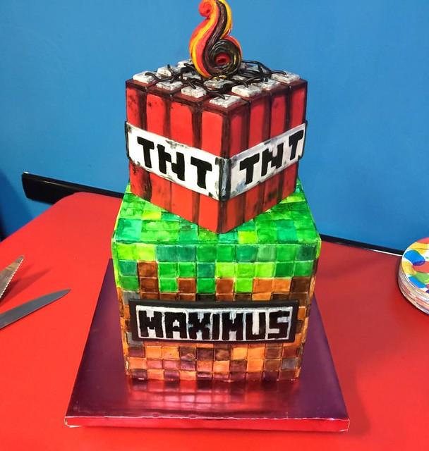 Cake by Joanna Yakubovich of Cool Cakes Yum