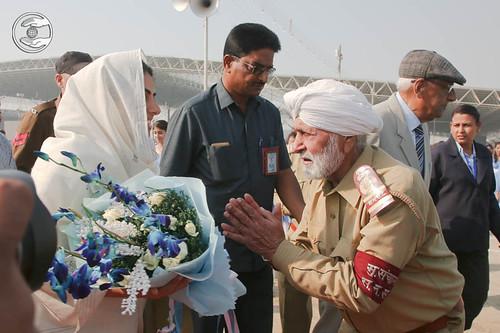 JS Khurana, Mukhya Sanchalak SNSD welcomes Satguru Mata Ji