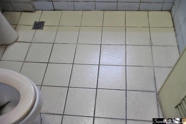 好師傅居家清潔浴廁隱形止滑地板1