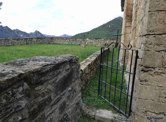 Solsonès 18 -03- Veinats de Guixers i Valls -05- Sant Martí de Guixers (Romànic) -03- Cementerio
