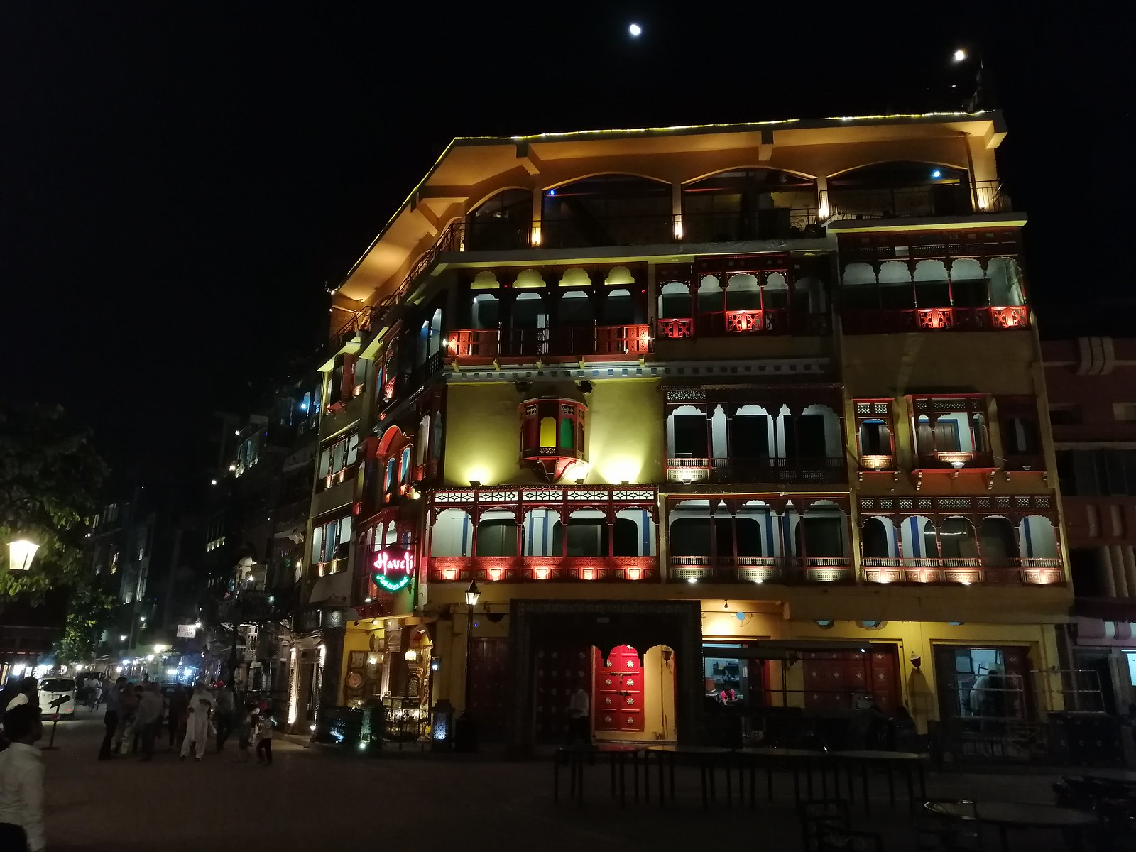 Building Picture with HDR Mode on Huawei Nova 3i