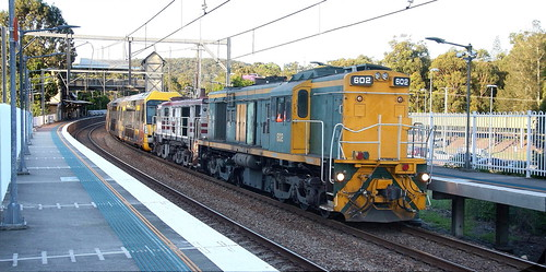 602 & 48s34 SSR #4176 A30 WARATAH SET TRANSFER CARDIFF to SYDNEY.