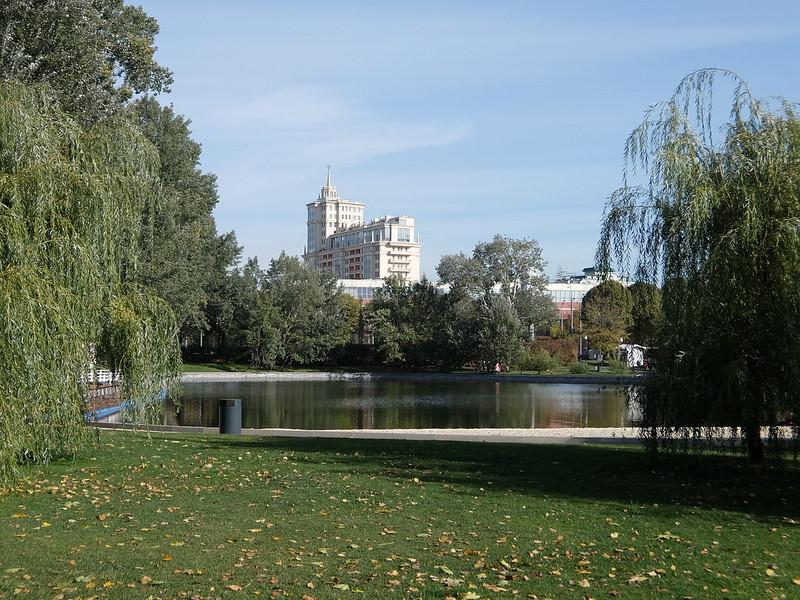 Москва - Парк Горького - Пруд