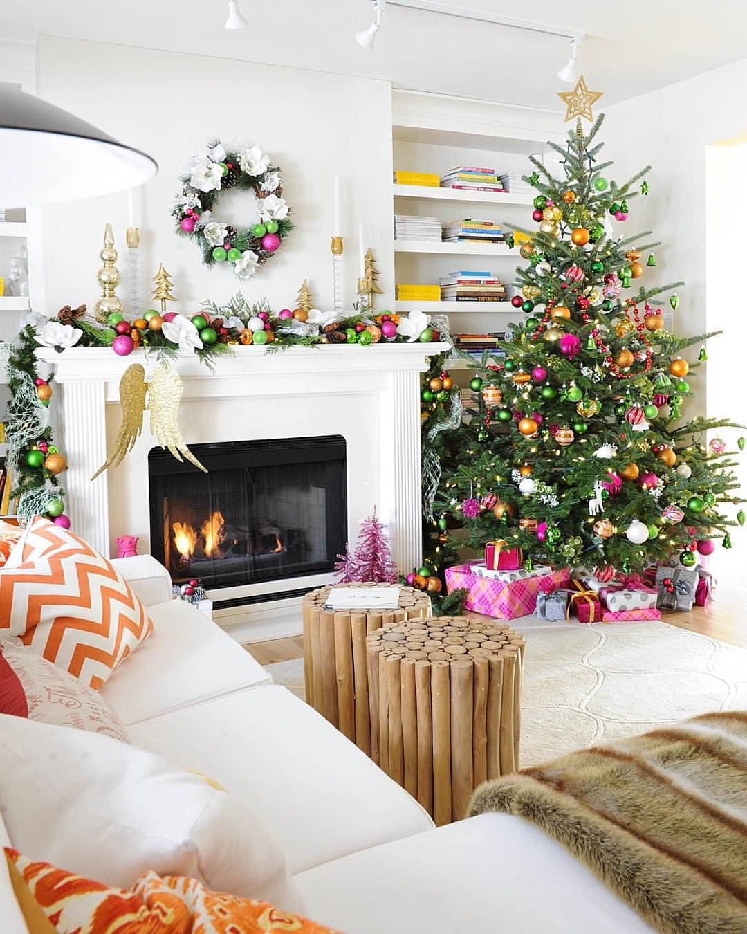 10 Ways to Decorate Your Christmas Tree - Colorful Christmas Tree