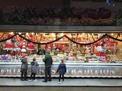 Süßwarenstand auf Saargemünder Weihnachtsmarkt
