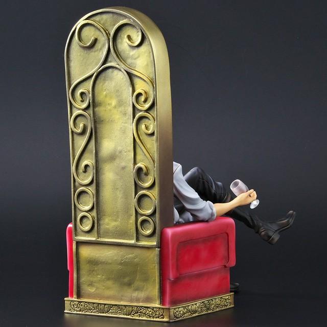 《ARCHIVE COLLECTIONS系列》 鷹眼「喬拉可爾·密佛格 Ver.B」大笑新表情版本!ワンピースアーカイブコレクション ジュラキュール・ミホーク Ver.B