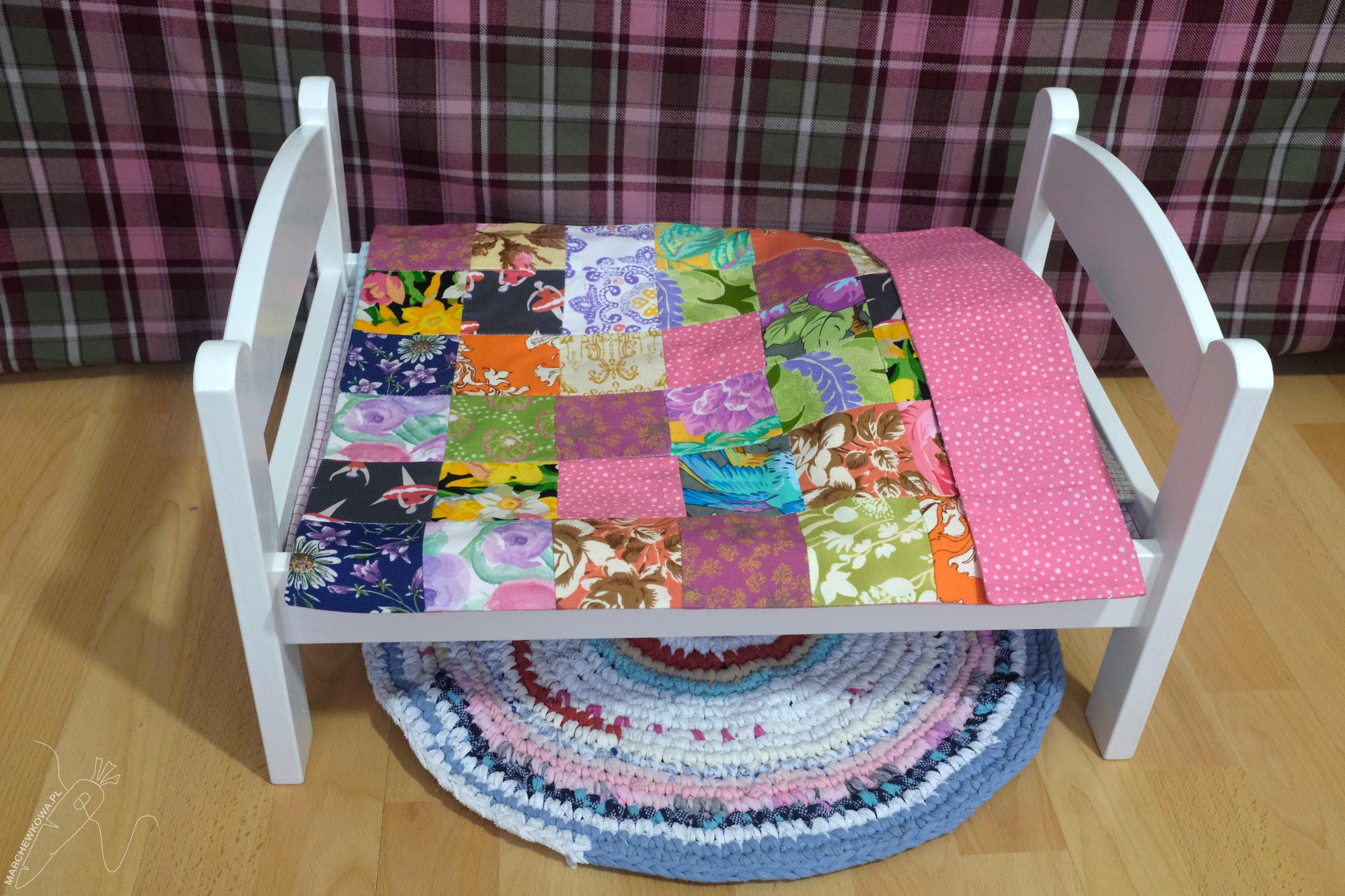 marchewkowa, blog, szycie, sewing, rękodzieło, handmade, zabawki, toys, doll's bed, łóżeczko dla lalki, pościel, patchwork, kocyk