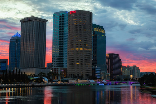 beercan effects florida hillsboroughriver reflection rivergatebuilding skyline sunrise sykesbuilding tampa tampariverwalk unitedstates us