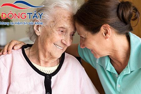 Bệnh nhân suy tim cần sự chăm sóc từ người thân