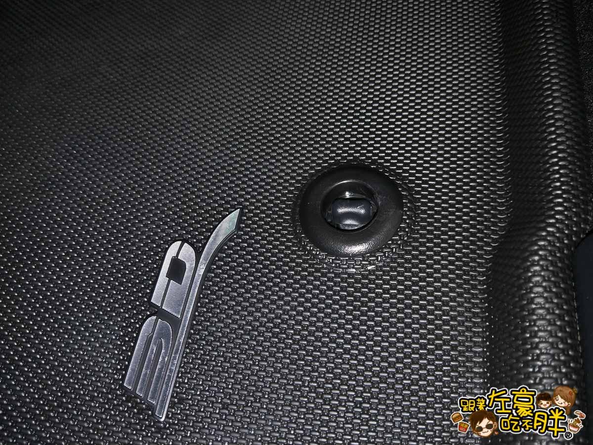 3D卡固立體汽車踏墊+後托盤-1