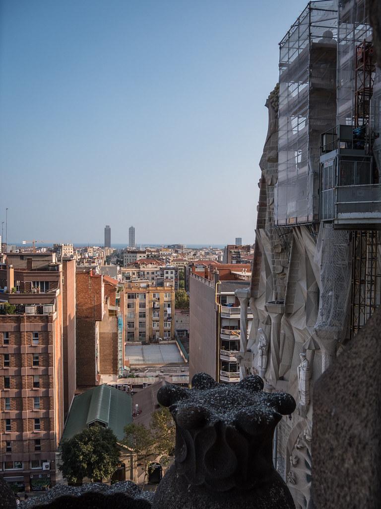 Barcelone, depuis la tour de la Nativité... 44724928880_6b522cf7e0_b
