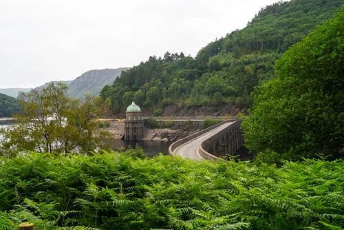 claerwenvalley wales elanvalley countryside reservoir midwales garregddudam cymru rhayader unitedkingdom gb