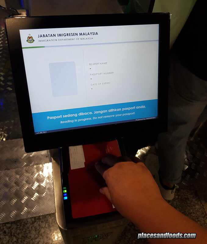 KLIA New Malaysian Passport Autogate scan passport