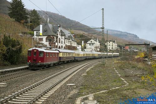 Re 4.4 I . 10019 Centralbahn ex-SBB . Lorch (Rhein) 25.11.18.