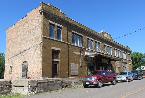 J. J. Defer Building (Saxon, Wisconsin)
