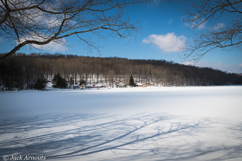 trees usa pa landscape vacations travel shadows scenic pennsylvania sky houses vacation como lake wayne winter snow cold